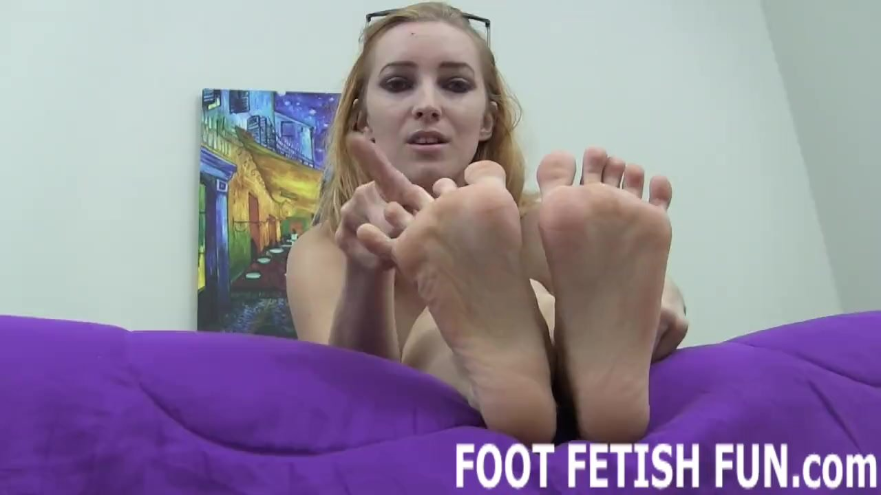 Foot Worshiping And Female Foot Fetish Videos