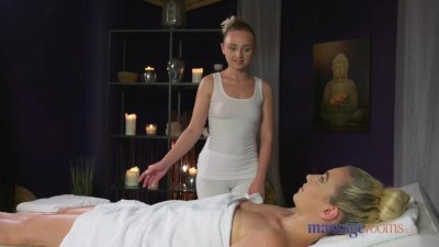 Massage Rooms Passionate orgasms for hot lesbians