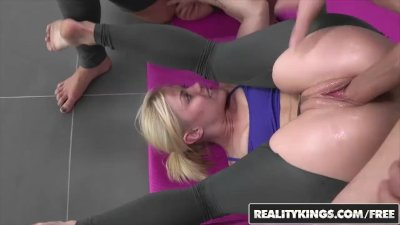 Reality Kings - Yoga babes Ash Hollywood and Presley Hart share a cock