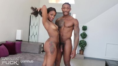 BLACK TEEN LOVE. Hot College Couple Have Amazing Sex. 18 YO GIRL