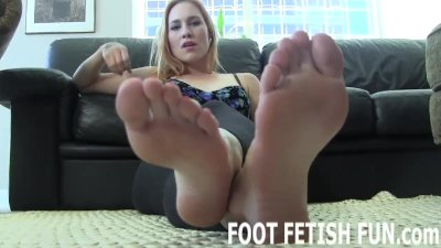 Femdom Feet Worshiping And Toe Sucking Videos