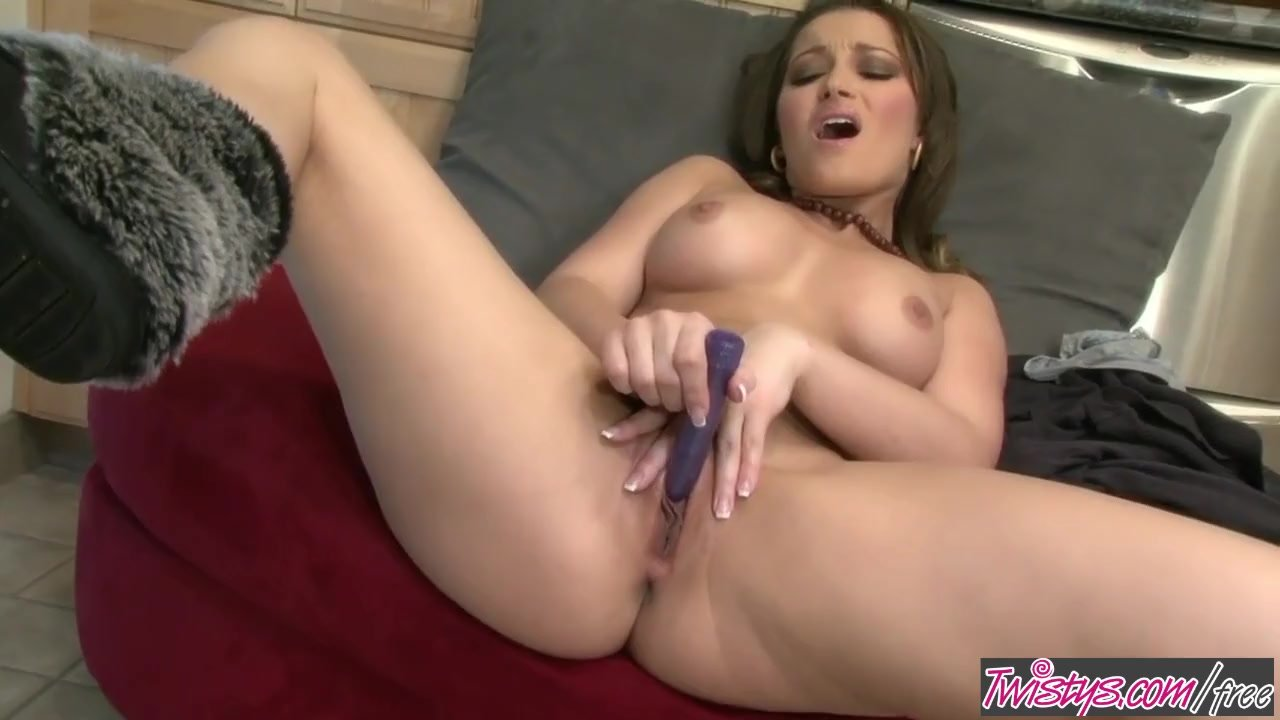 Masturbation/relaxes daniels a with twistys