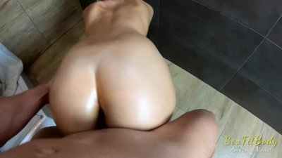 Oil Fucking with Teen Blonde! Final Cum on Big Round Butt!