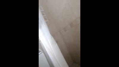 camara oculta en la ducha a culona