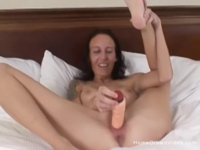 Amateur milf fucked and filled up by two younger guys