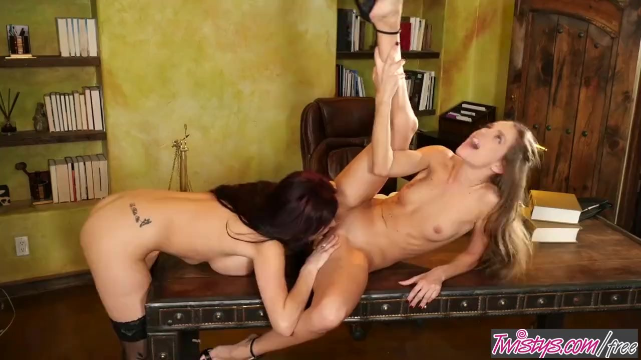 Twistys - Dirty judge Jaclyn Taylor fucks her young intern Kimmy Granger main image