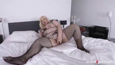 bbw mature masturbating on cam