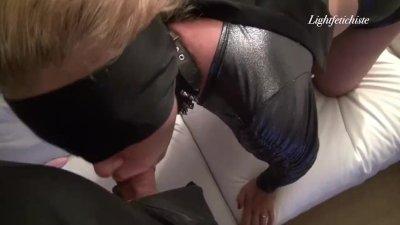 Soumission sexuelle d'une belle milf
