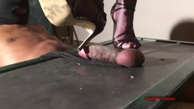 Extreme Trampling & Ball Crushing - Sadistic Queens 5 (Full Weight CBT)