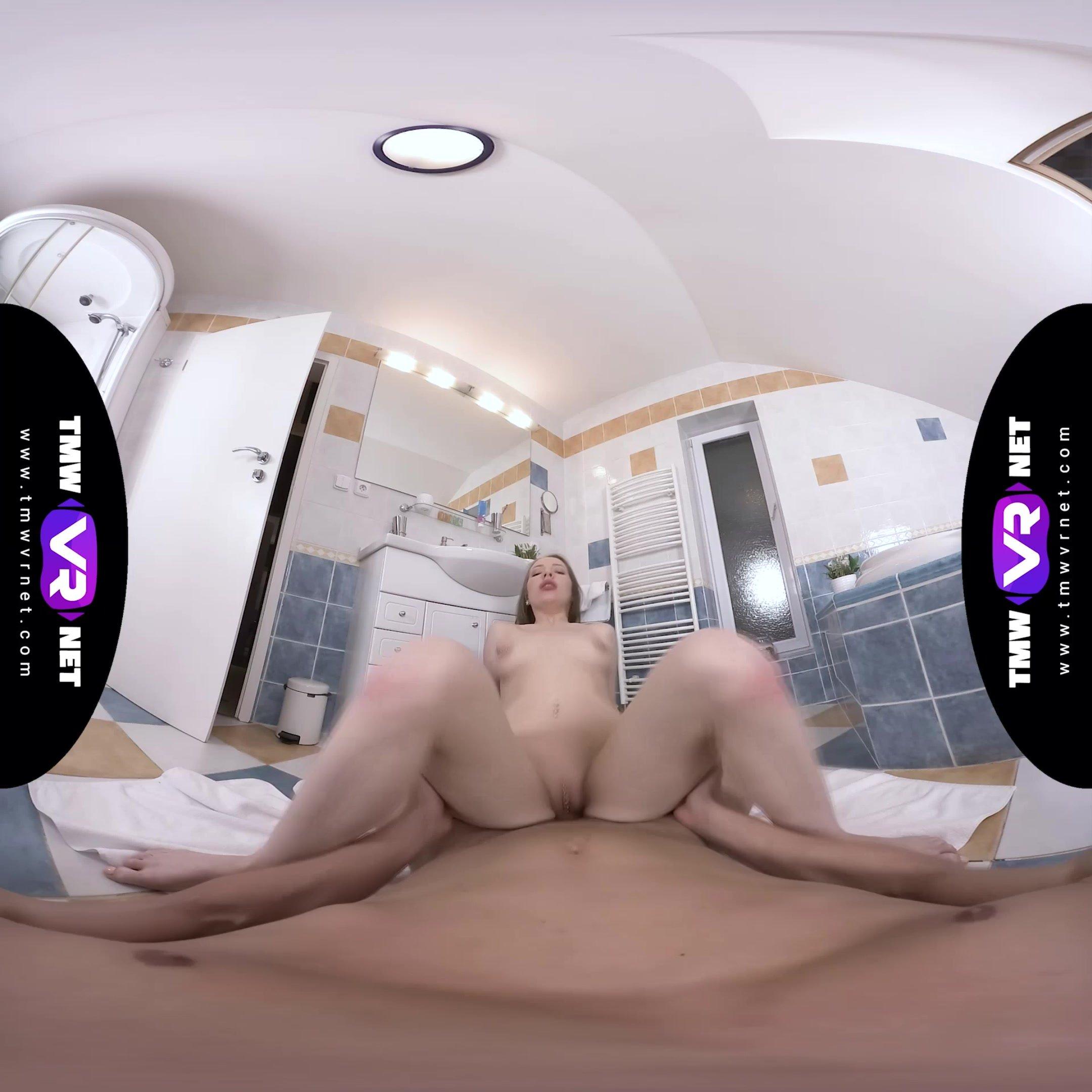 TmwVRnet.com - Linda Weasley - Brushing teeth with sperm