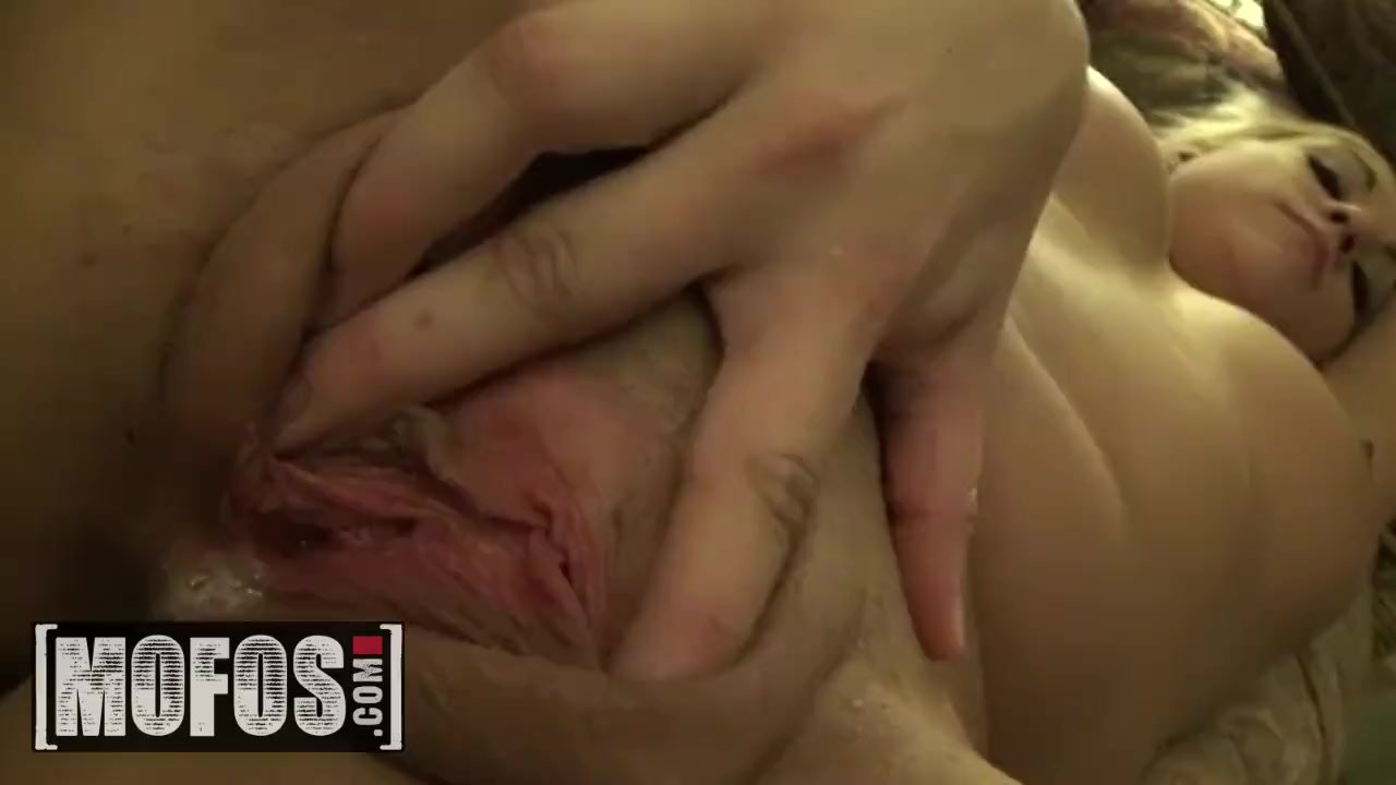 MOFOS - Ashley Reeves, Jamie Valentine get fucked at the after party