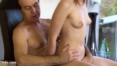 Teen passionate and sensual sex with old man turns dirty and ends with cum