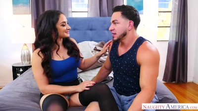 Hot Milf Sheena Ryder gets fucked by young cock