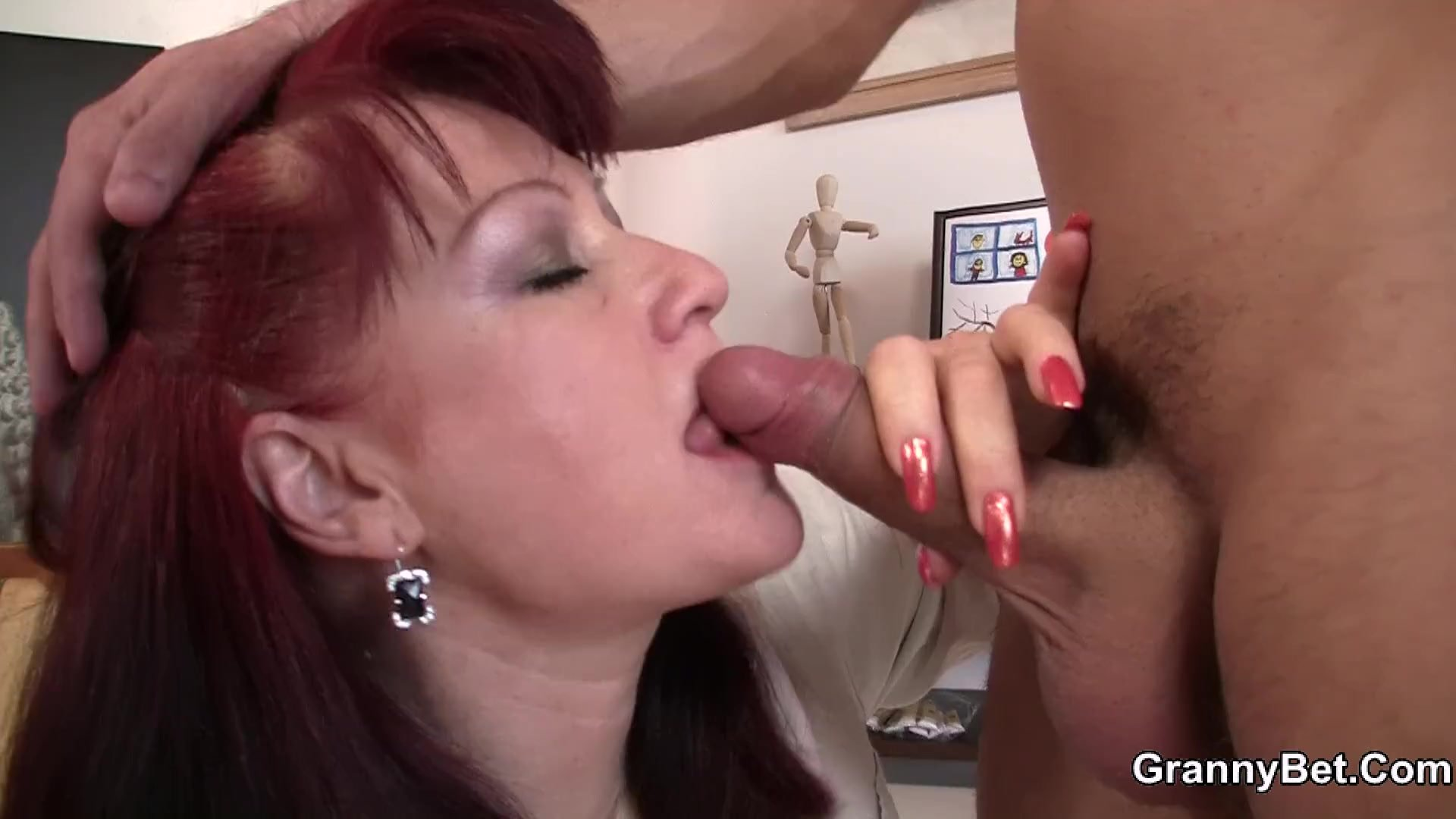 Redhead milf/granny old sex paintress with