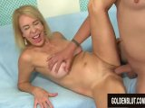 dude trades oral sex with gilf erica lauren before stuffing her pussyPorn Videos