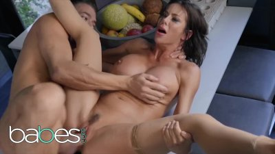Babes - Unfulfilled housewife Alexis Fawx dominates big younger cock