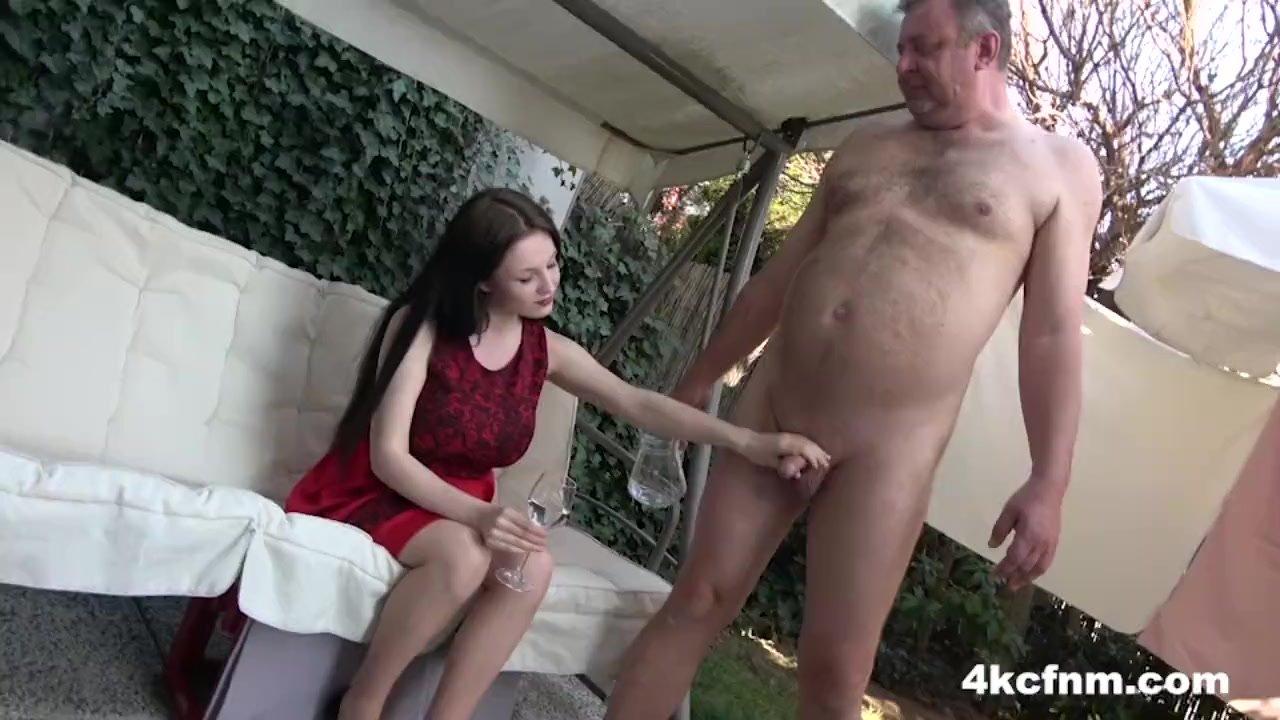 Hot Babe Sucks Old Cock in the Backyard - CFNM