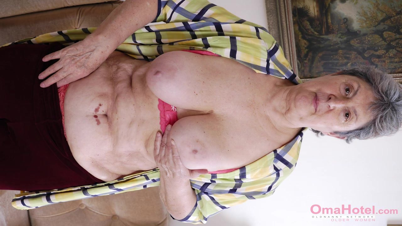 OmaHoteL Sextoys and Granny Pictures in Slideshow