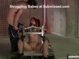 slave struggling with fucking machineFür kostenlose Pornofilme hier