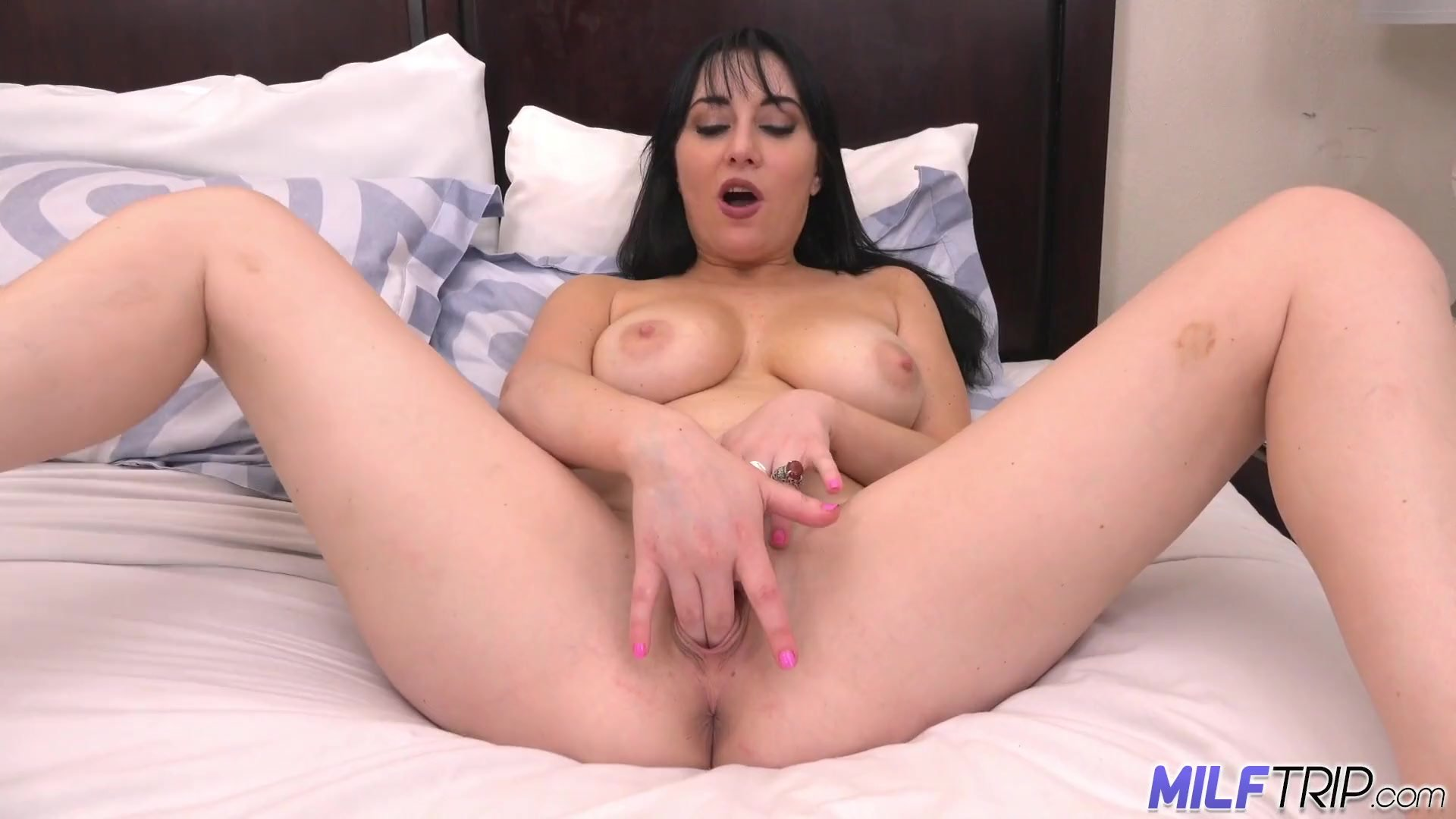 MILFTRIP Huge Tit Milf Gives Super Blowjob With Oozing Facial