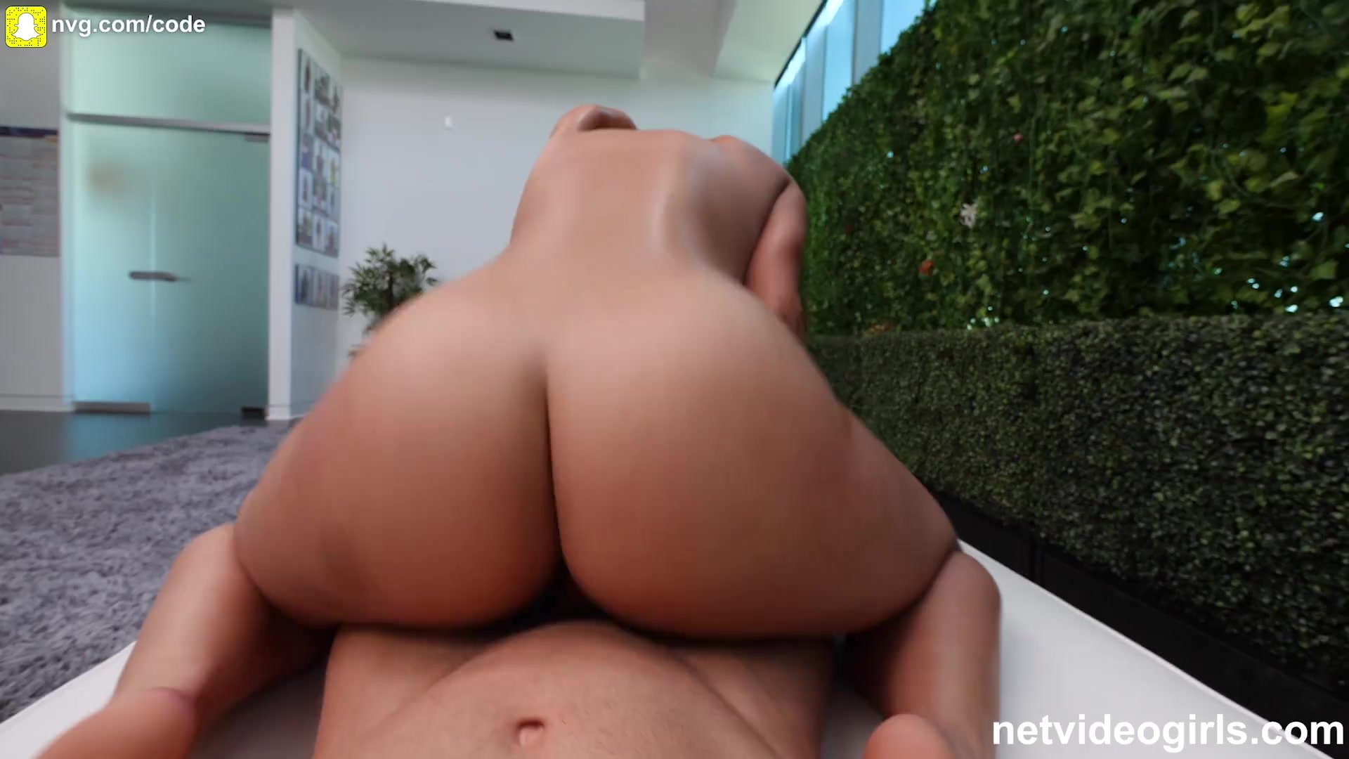 Bubble Butt Exotic Girl Fucked During Calendar Audition