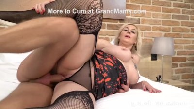 Mature Cougar Mouth Creampied by Muscle Gigolo