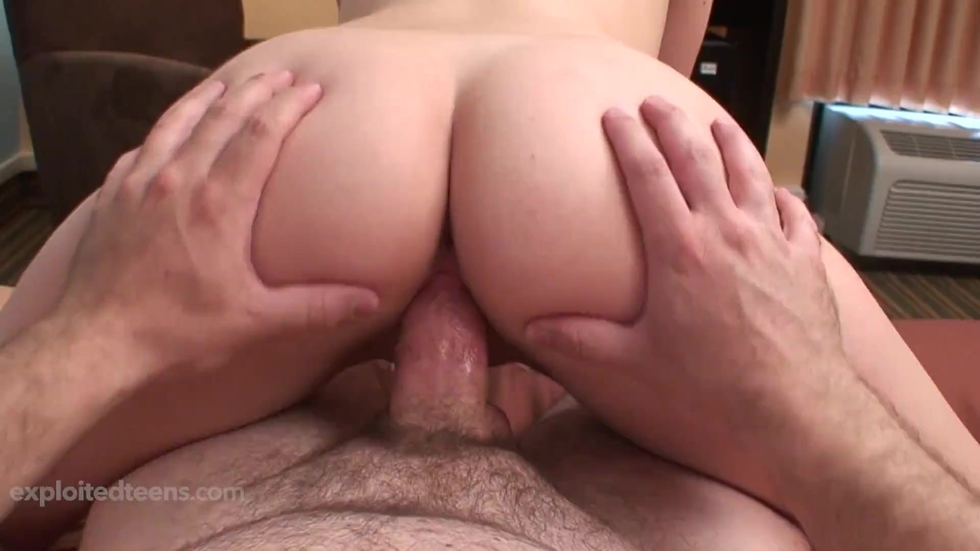 Slim Thick Teen With a Fat Ass Gets Every Inch of Her Face Covered with Cum