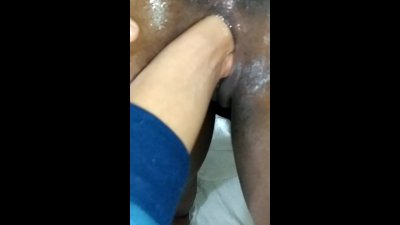 Close up fisting - Black wet pussy