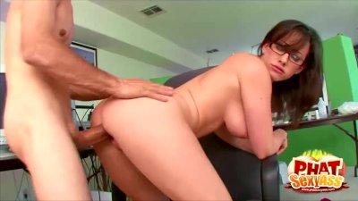 Phat Ass And Busty Secretary Jennifer White Fucked