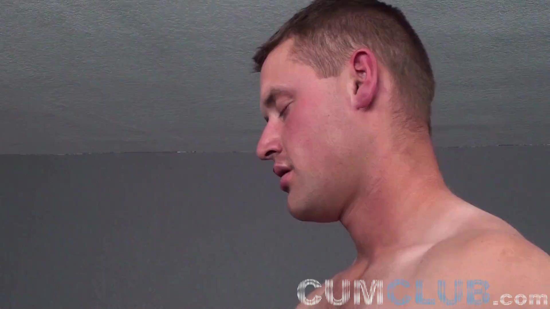 Beefcake Muscle Stud Serviced & Swallowed by Cute Cum Swallower