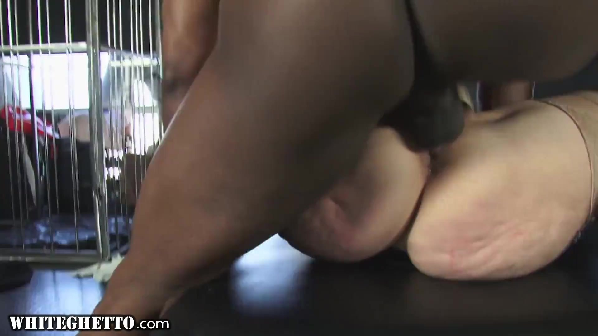 WhiteGhetto Hot GILF Gets Multiple Orgasms From A Big Dick In Her Sex Dungeon