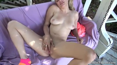 Petite Little Taylor in outdoor solo